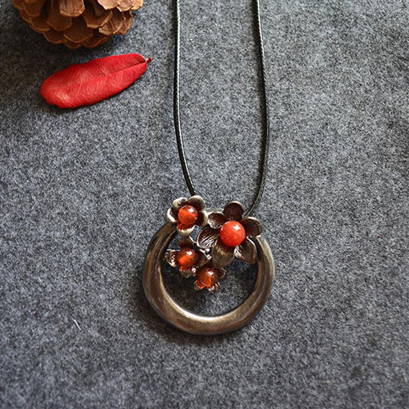 New Women Retro Flower Simple Necklace
