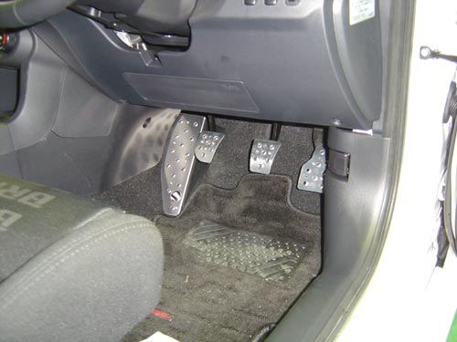 Carbing Drivers Foot Rest Aluminium MT (cover type)