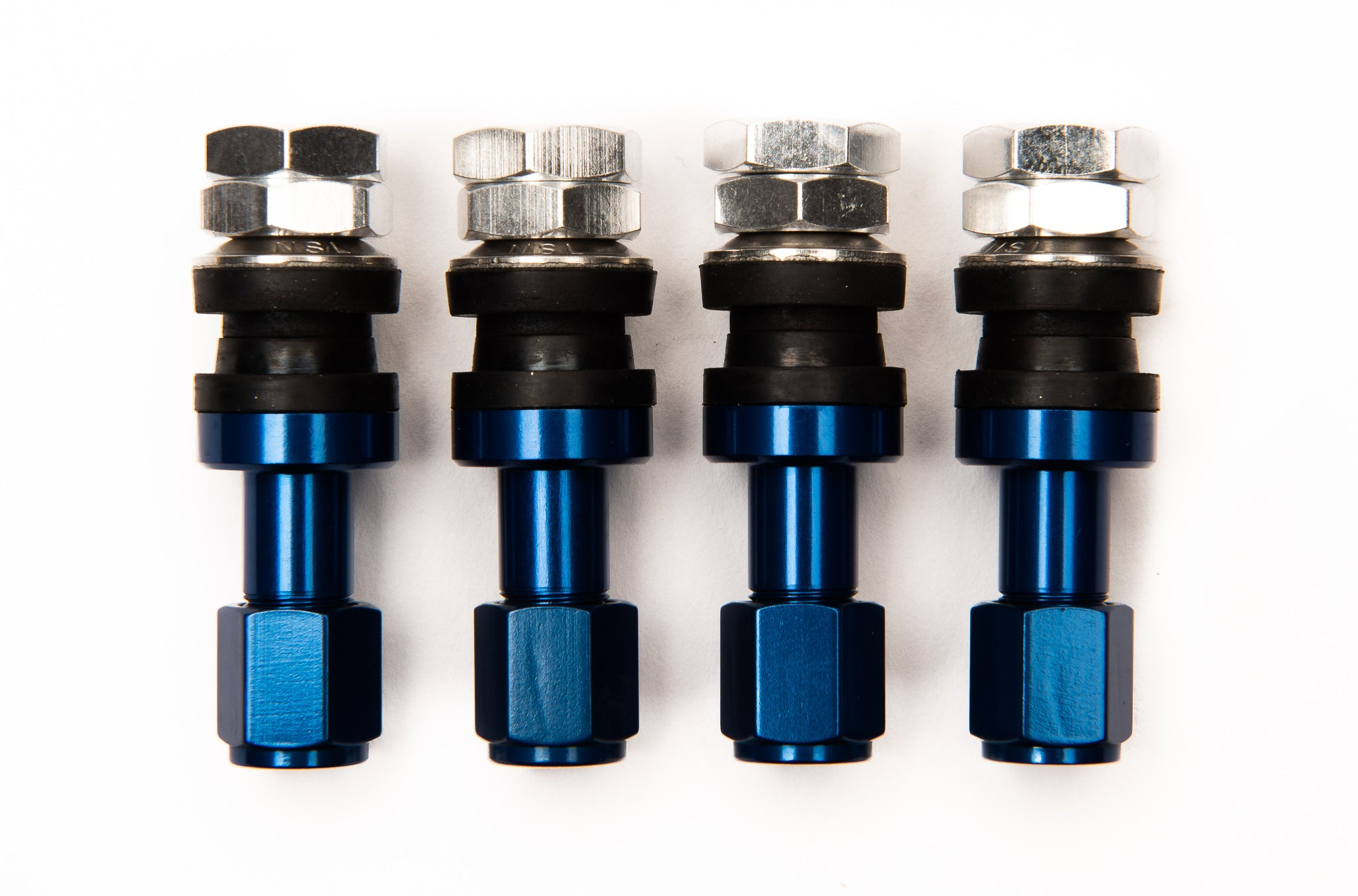 Fasten duraluminum valve stems used for aftermarket wheels. Set 4pcs Blue. Japanese inner valve core