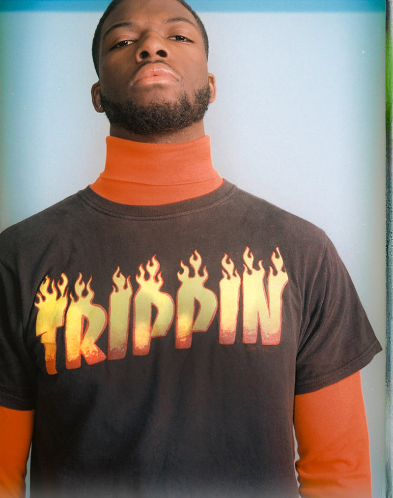 BLACK TRIPPIN GRAPHIC TEE