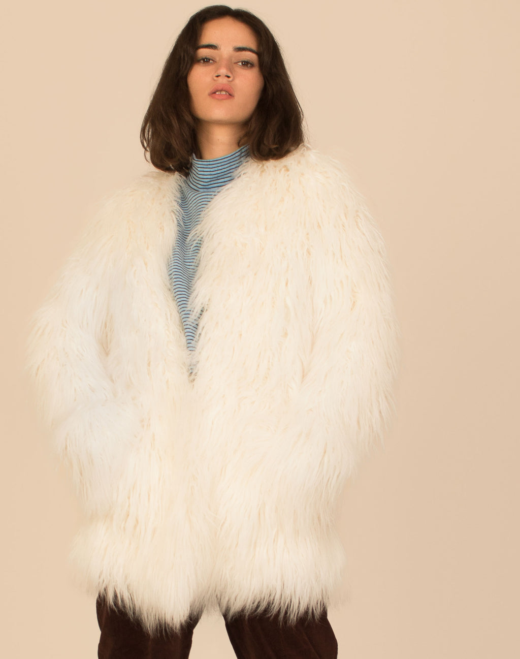 WHITE SHAGGY FUR COAT