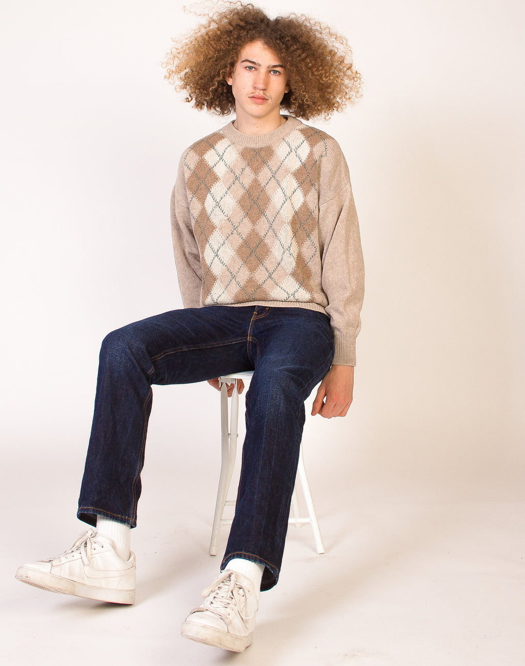 BEIGE AND BROWN ARGYLE KNIT