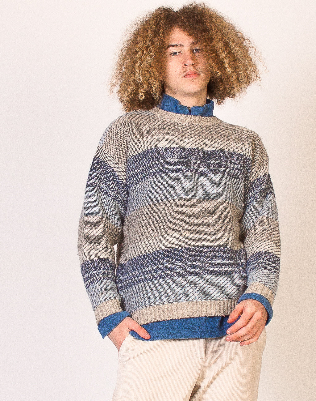 CREAM AND BLUE STRIPED KNIT