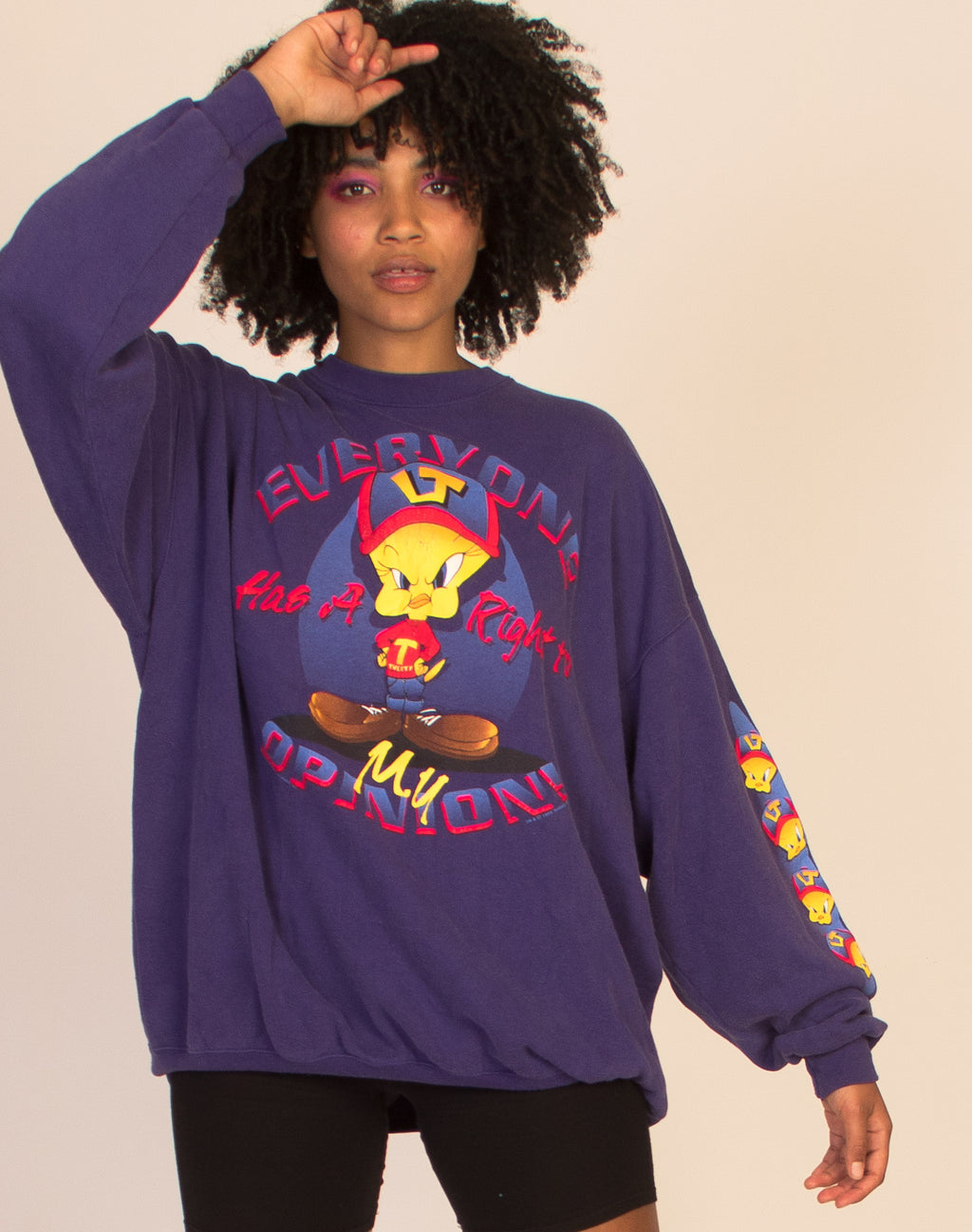 TWEETY BIRD 90'S GRAPHIC OVERSIZED SWEATSHIRT