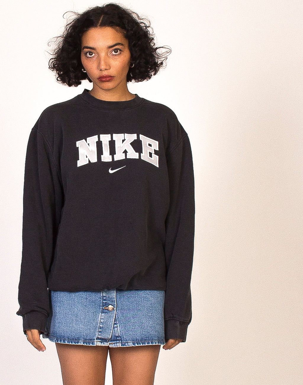 NIKE WASHED BLACK LOGO SWEATSHIRT