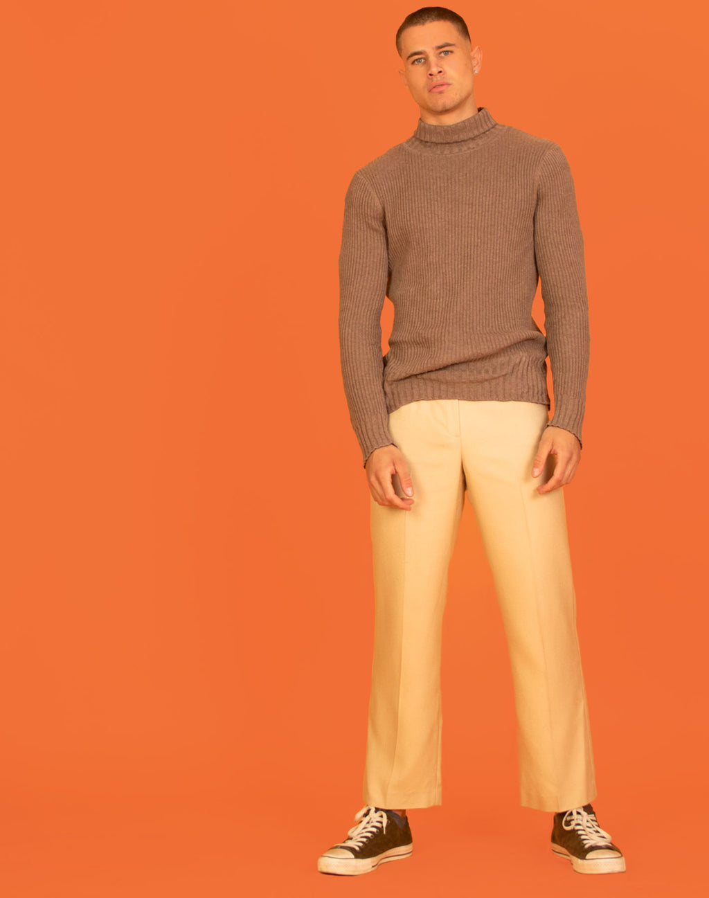 BEIGE TURTLENECK JUMPER