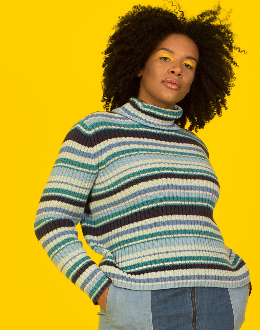 BLUE KNIT STRIPE TURTLENECK