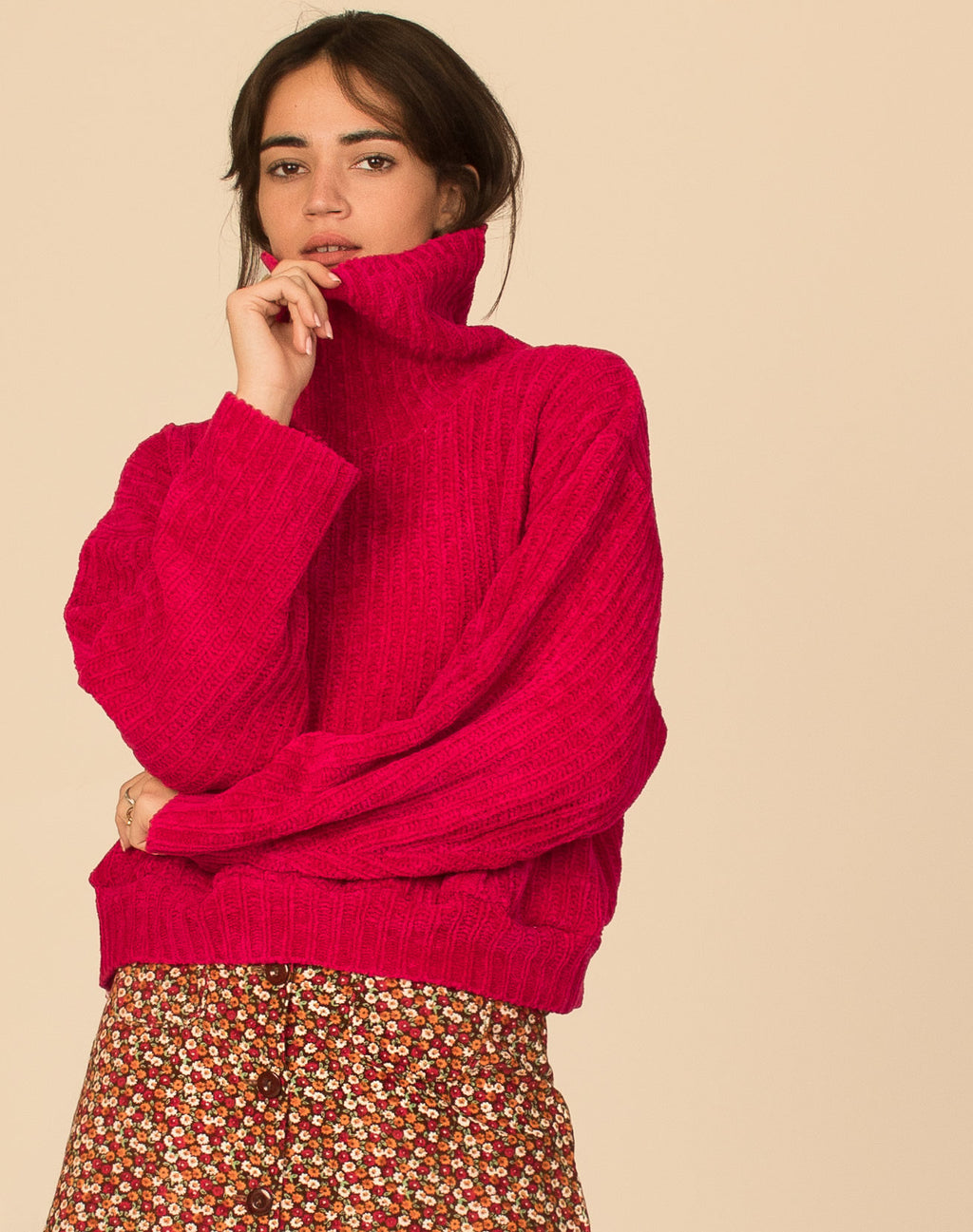 RASPBERRY CROPPED TURTLENECK JUMPER