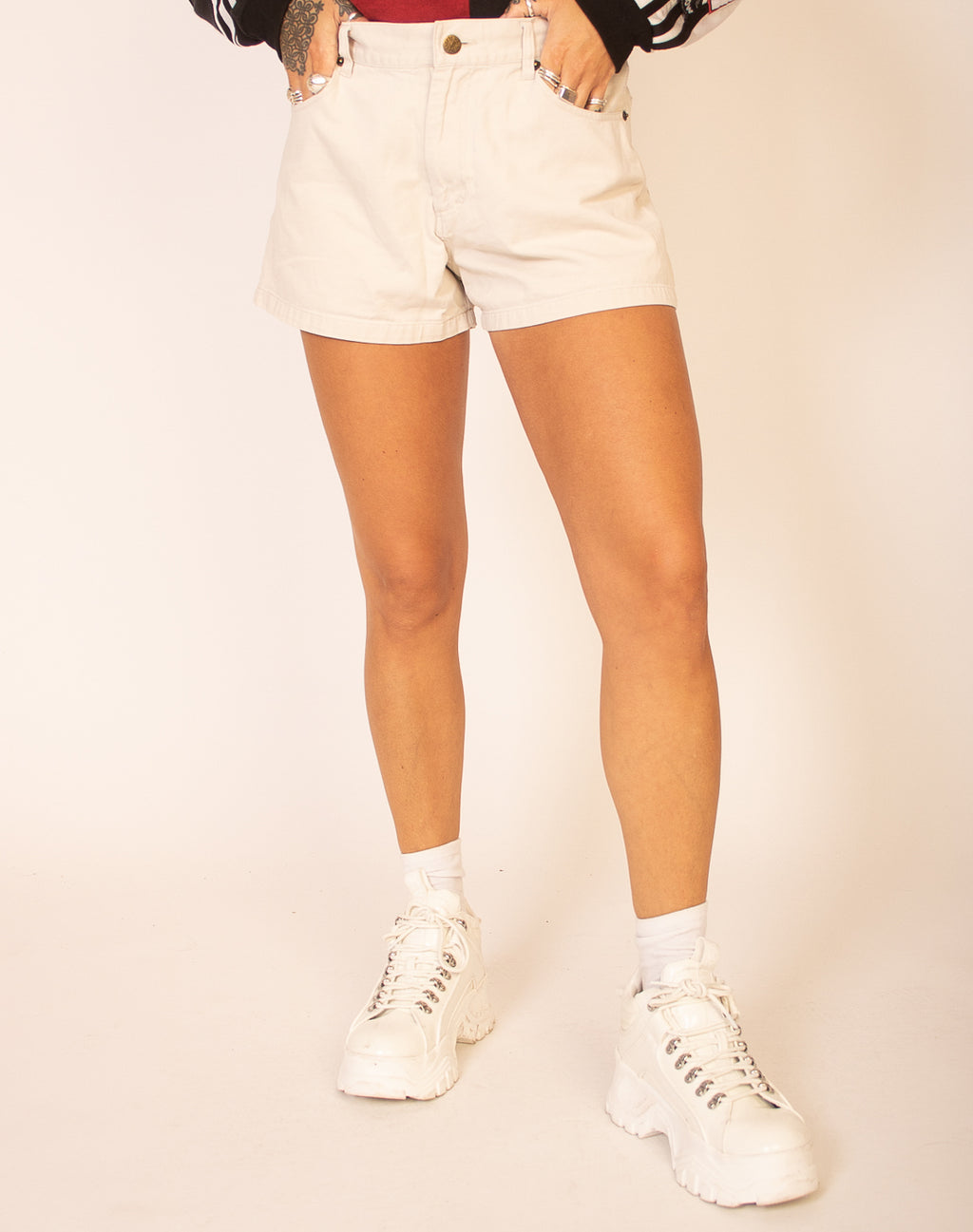 JUDD SAND HIGH WAISTED SHORTS