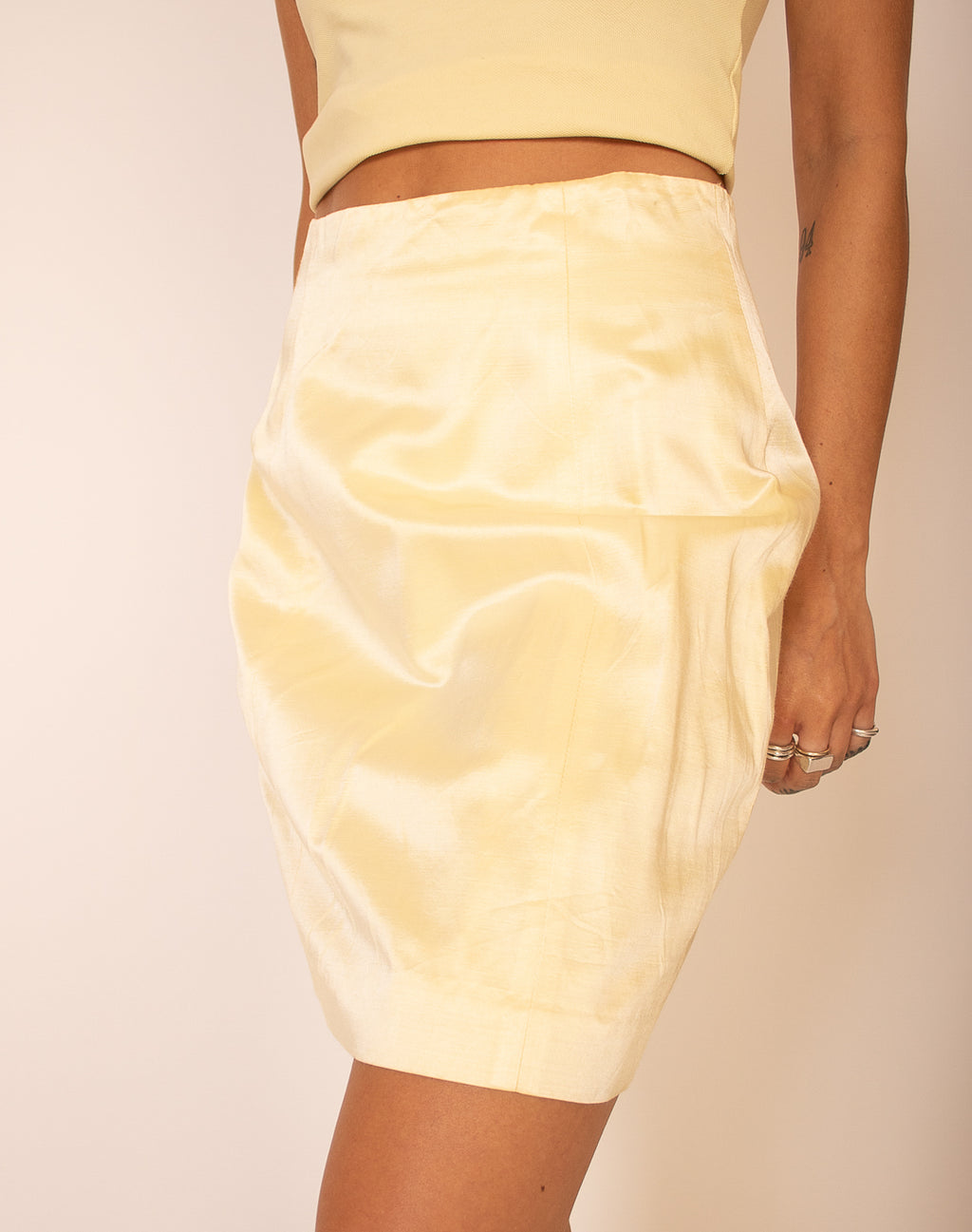 PASTEL YELLOW PENCIL SKIRT