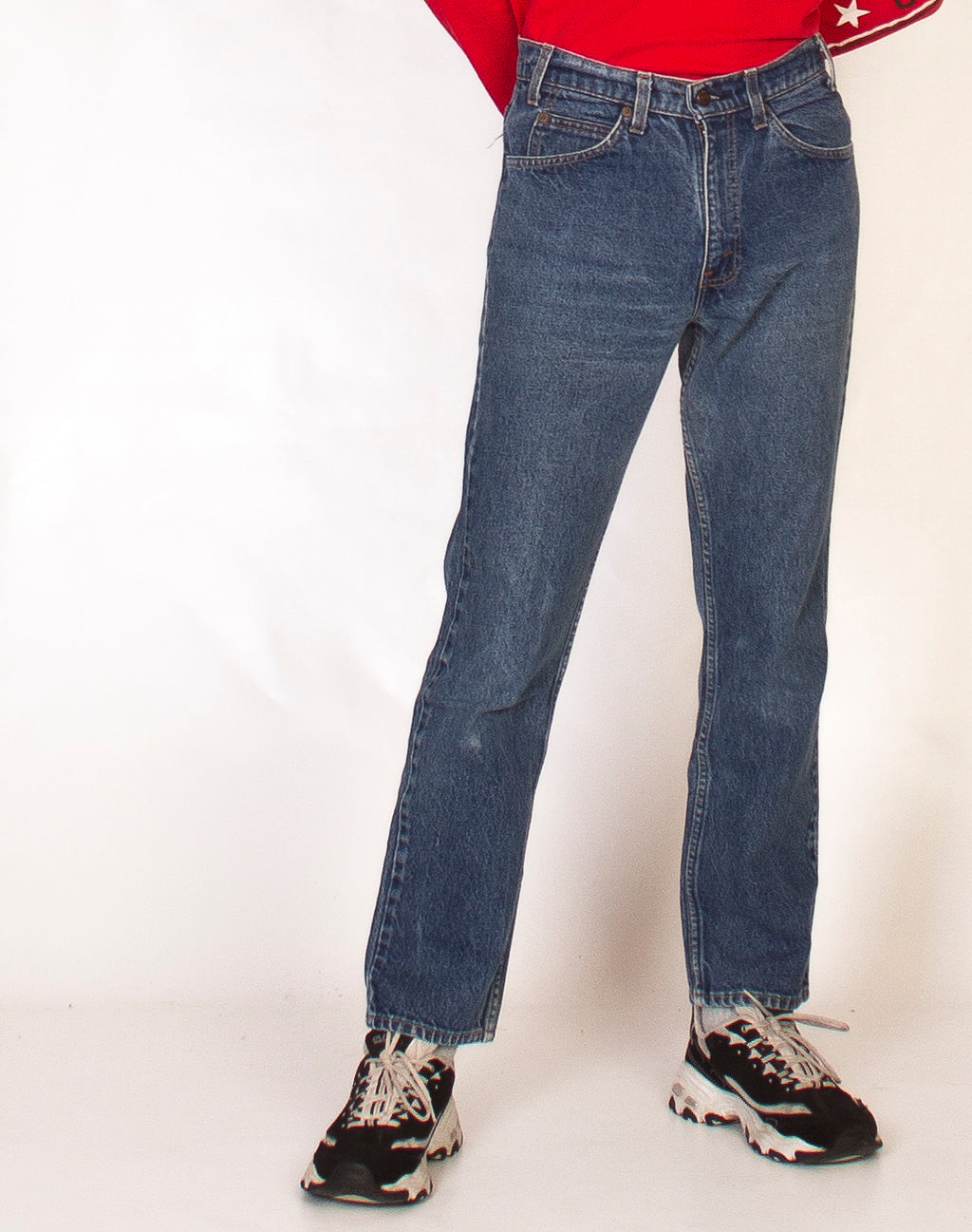 LEVI'S MID WASH STRAIGHT LEG JEANS