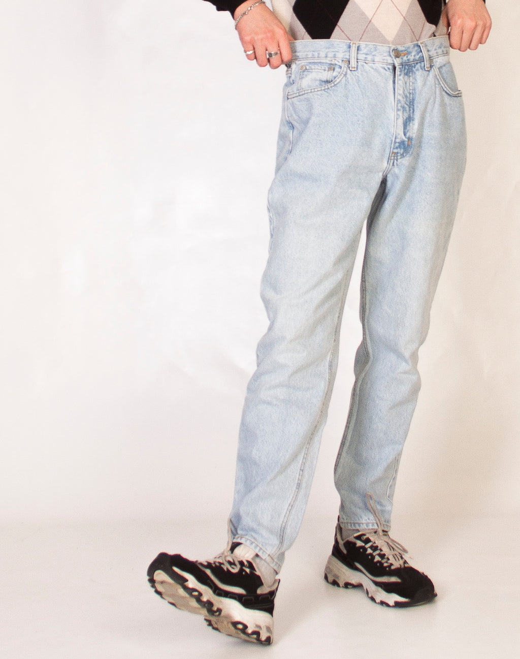 LIGHT WASH DENIM DAD JEANS