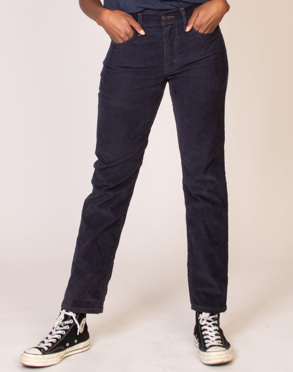 LEVI NAVY MID-RISE CORD JEANS