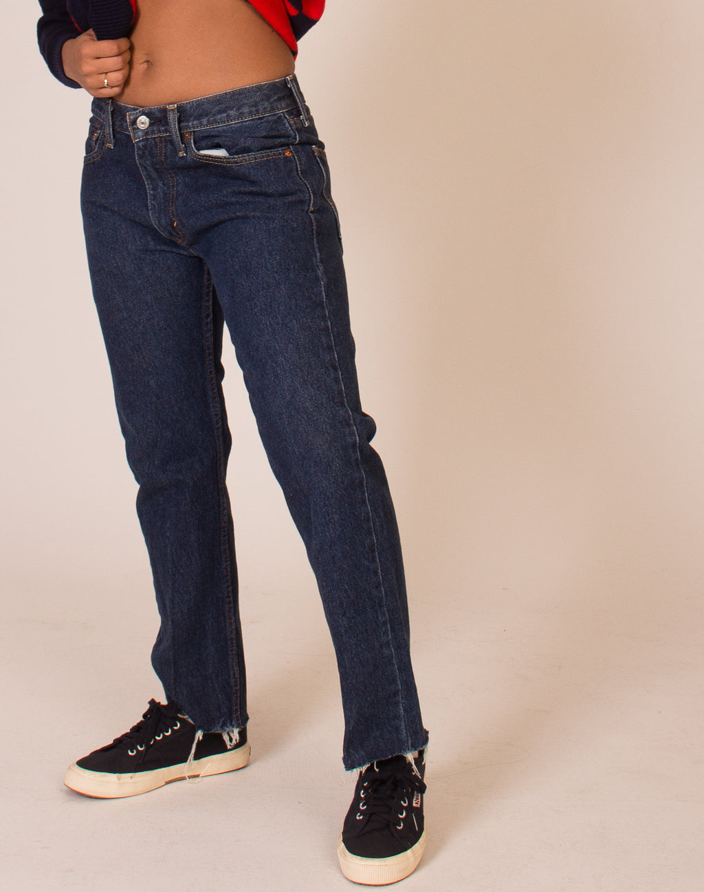 LEVI'S LOW RISE FRAYED JEANS