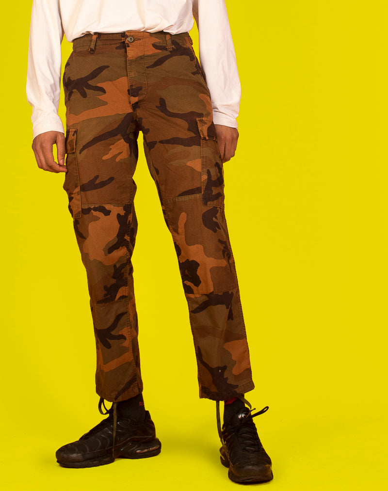 CONTRAST STITCH BUCKLE CARGO PANTS