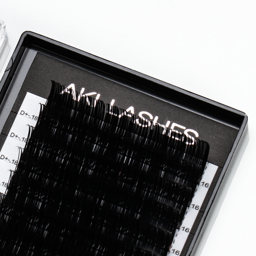 0.18 Classic Lashes Single Length - Aki Lashes