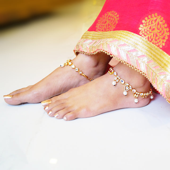 The Lavish Golden Kundan-cz-Pearl Anklet (Pair)