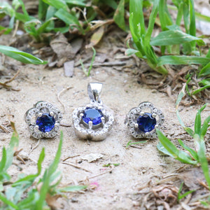 The Ornate Sapphire Flower Pendant Set