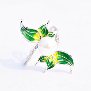 The Dewdrop Adjustable Ring