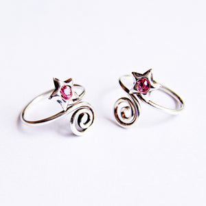The Swirl Star Toe Ring