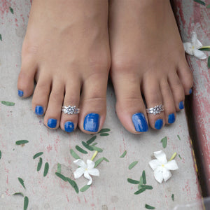The African Violet Toe Rings