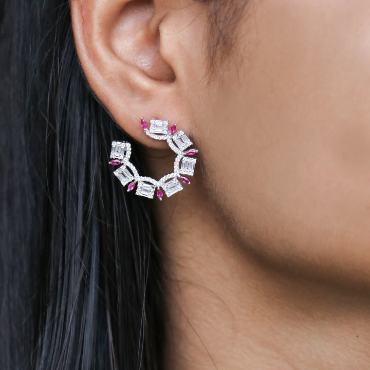 The C Round Stud Earrings