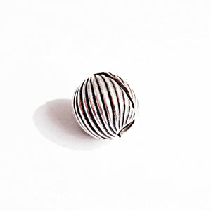 The Striped Opeanble Bead Charm
