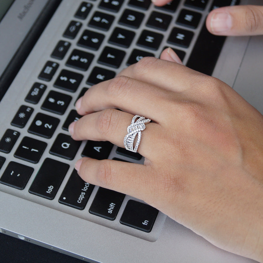 The Cz Twisted Band Ring