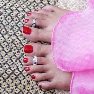 The Triple Styled Stone Toe Ring