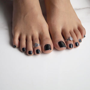 Akarshak Patra Toe Rings