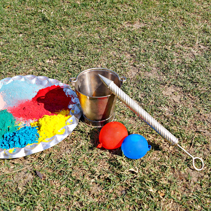Holi Special - Baalti and Pichkaari Set (Bucket & Water gun)