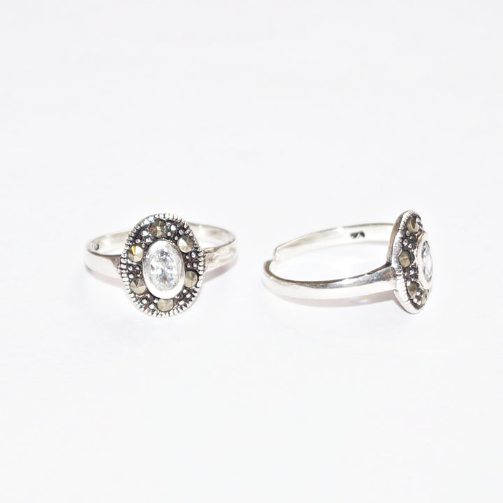 The Marcasite Oval Cut Toe Rings