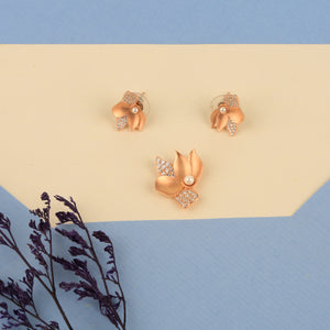 Missing Petals Flower Pendant Set
