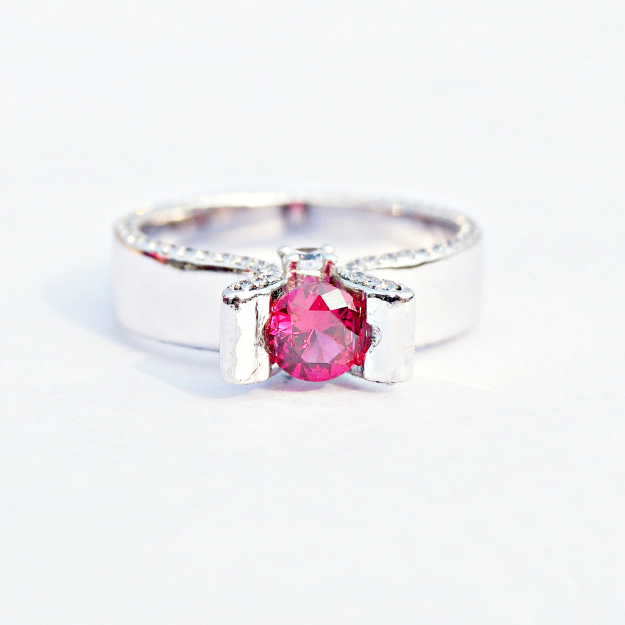 The Solitaire Gemstone Plane Ring with Surprise Stones