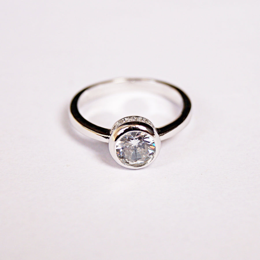 Solitaire Ring with Surprise Diamonds