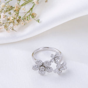 The Tripple Buttercup Flower Ring