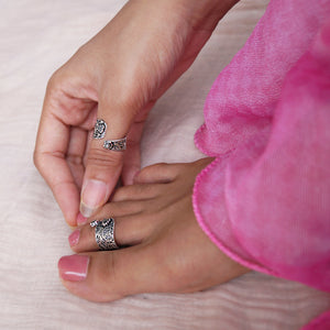 The Maharani Style Ring cum Toe Rings