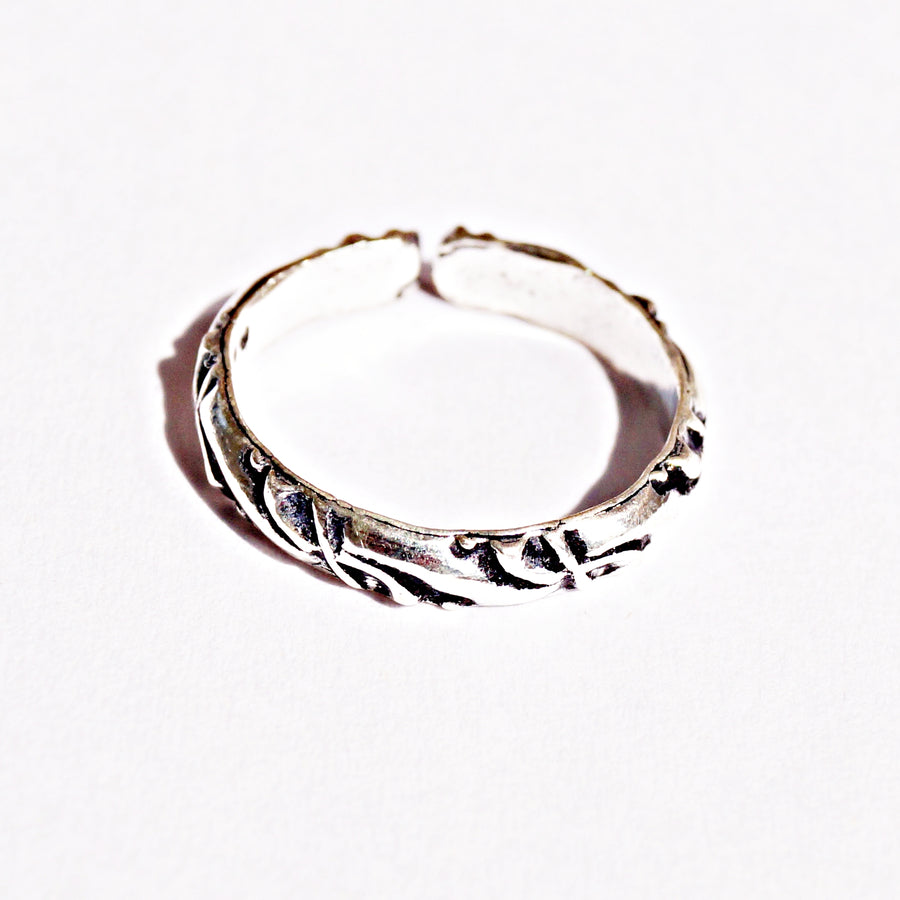 The Distinct Line and Infinity Band Toe Rings (Set of 4)