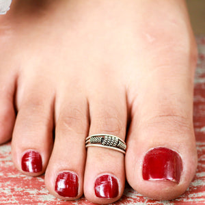 The Unblemished Silver Toe Ring