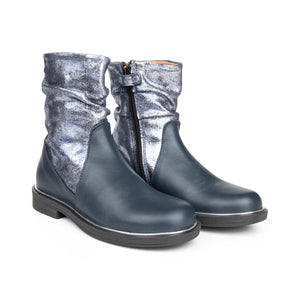 Shoe B 76 Navy Silver Boot B2000