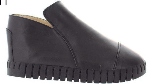 Bernie Mev Black Leather Side Zipper Bootie (twk80)