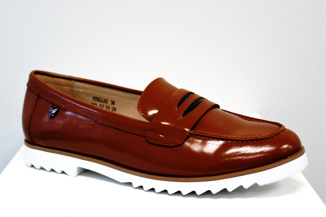 Venettini Stella Tan Loafer