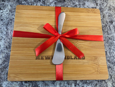 Newfoundland Cheese board & Spreader Set