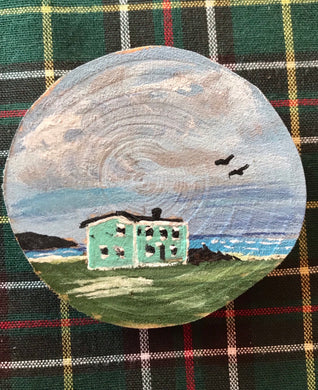 Hand painted wooden saltbox magnet