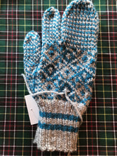 Load image into Gallery viewer, Men's Knitted Grey/Torquoise Finger Trigger Mittens