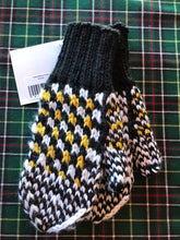 Load image into Gallery viewer, Child Handmade Wool Mittens