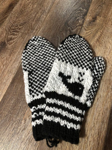 Ladies Whale Mittens