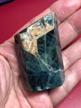 Load image into Gallery viewer, Green Apatite sacred geometric shape tower XDN - The7directions