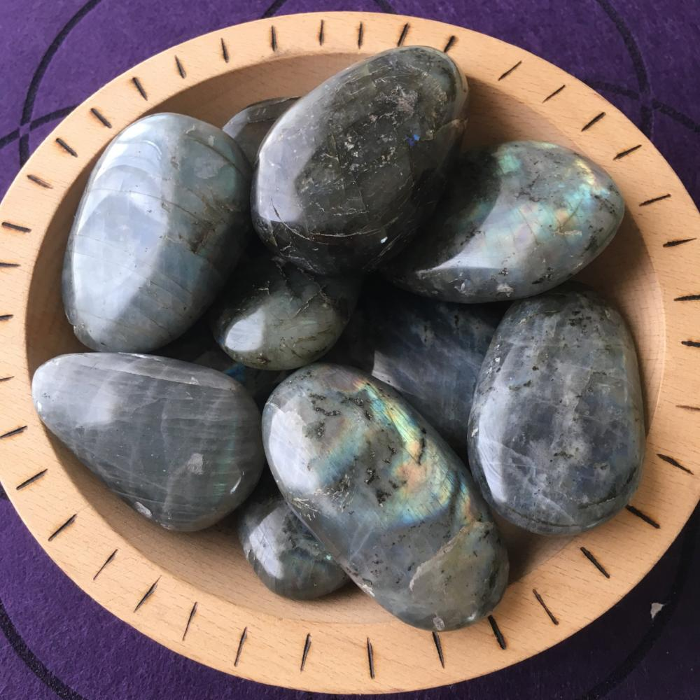 Labradorite Palm stone - The7directions