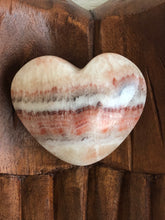 Load image into Gallery viewer, 67mm Red White Calcite Onyx Heart SA5 Calming - The7directions